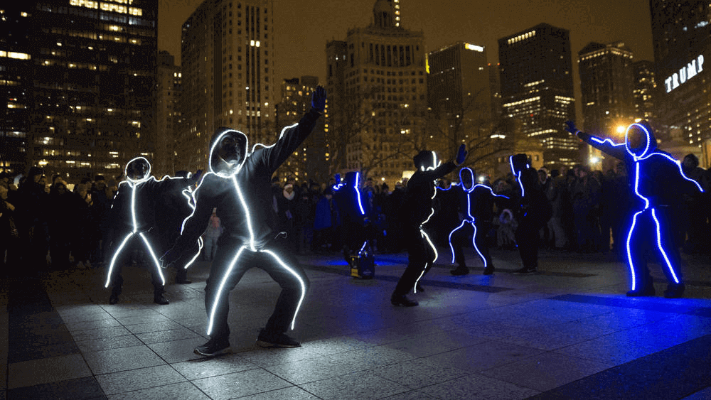 FMPB Light Suit Flash Mob Chicago Tribune Cogent Flash Mob Photo New Year Eve 2016 12 31 - chi-trib-fireworks